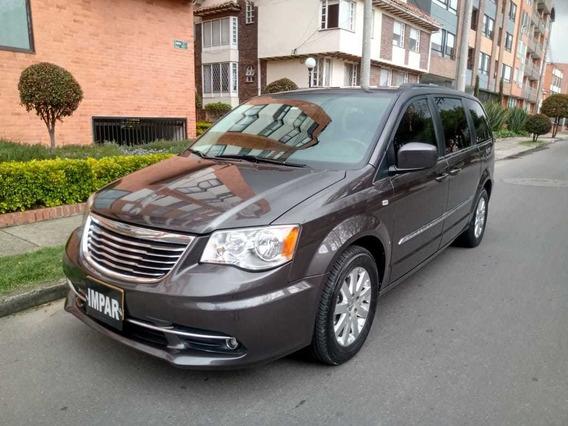 Chrysler Town & Country 2015 7 Pasajeros