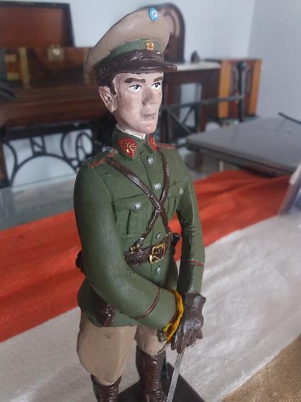 Antigua Estatua Gendarme Soldado Ejercito. Impecable