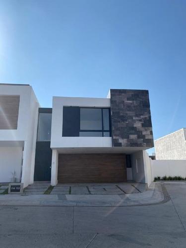 Casa En Condominio En Venta En Alto Lago Residencial, San Luis Potosí, San Luis Potosí