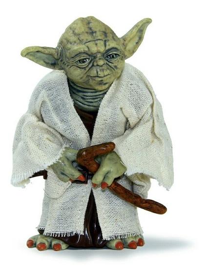 Miniatura Jedi Mestre Yoda Star Wars 12 Cm