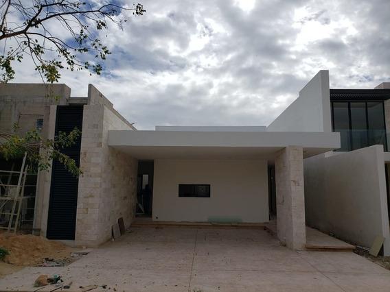 Casa De Una Sola Planta, Con Alberca, En Privada, Temozón