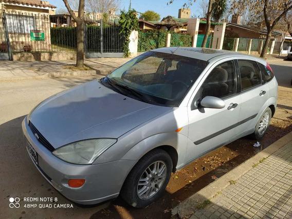 Ford Focus 2001 2.0 Ghia