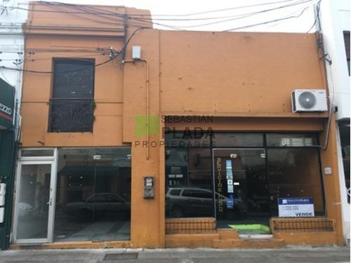 Muy Buen Local En Pleno Centro De San Carlos. Apto Gastronomía, Elaboración De Panificados.- Ref: 139