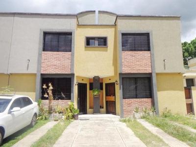 Townhouse En Venta En Naguanagua 19-12662 Gustavo Zavala
