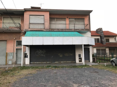 Alquiler Local Sobre Calchaqui Con Vivienda Oficin Deposito