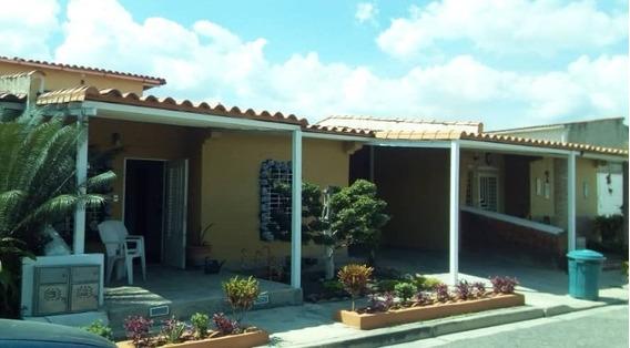 Casa En Ciudad Alianza Peggy Araujo 04144166002