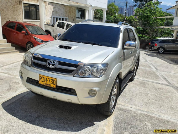 Toyota Fortuner 3.0 Turbo Diesel Refull