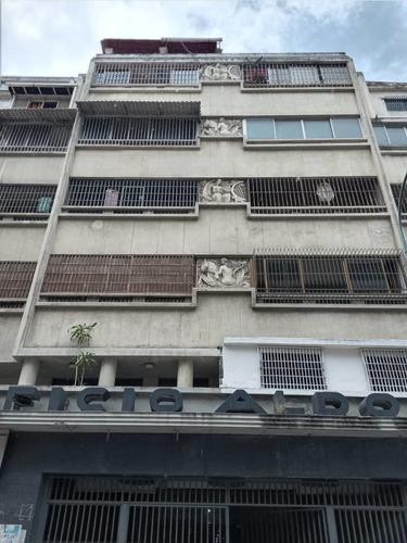 Ideal Apartamento En El Centro De Caracas.