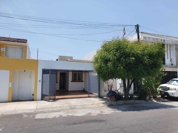 Casa En Renta En Fracc, Bugambilias, Villa De Álvarez