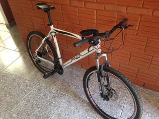 Mountain Bike Aro 26 Quadro 29 - Pouco Usada