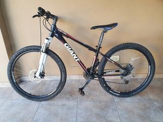 Bicicleta Giant Revel 3, Rodado 26Buen Estado