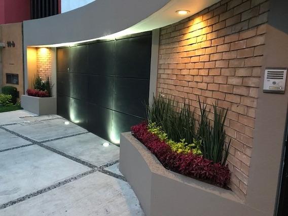 Excelente Residencia En Interlomas En Privada Hda. De La Luz