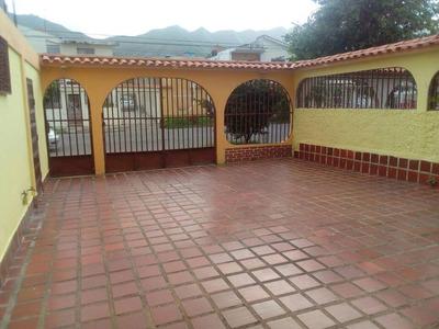 Casa Con Su Local San Diego Esmeralda