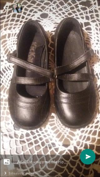 Zapatos Escolares Kickers Usados Como Nuevos Para Niñas