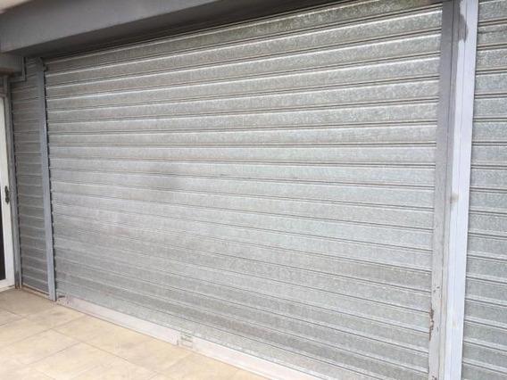 Local Comercial En Venta. El Pilar. Mls 20-6955.
