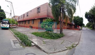 Edificio Con 82 Apartaestudios