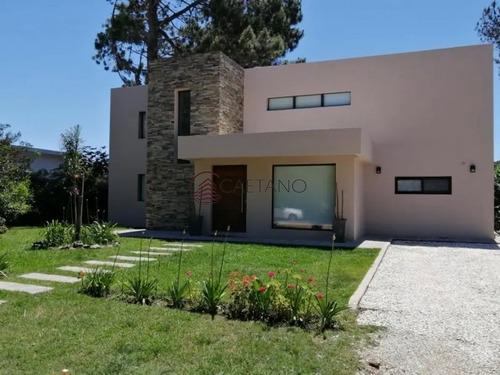Hermosa Casa Moderna En Barrio Privado La Residence- Ref: 2227