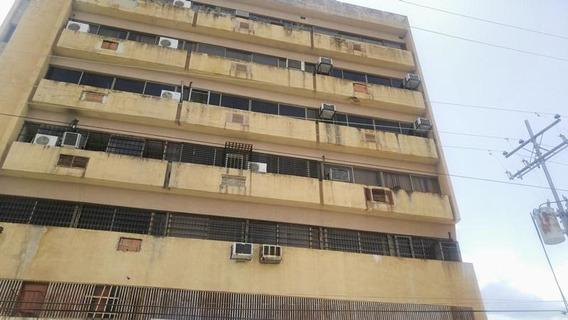 Oficina En Venta Valencia Av. Bolivar - 20-7382 Vv