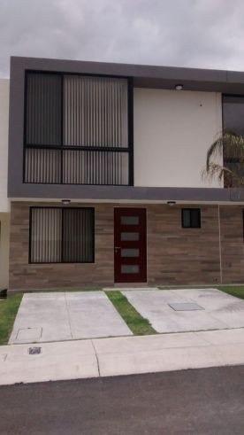Casa Amueblada En Renta En Cond Florenza, El Refugio ***
