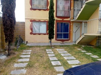 Departamento Planta Baja, Esquina En Priv Cerrada Cerca Outl