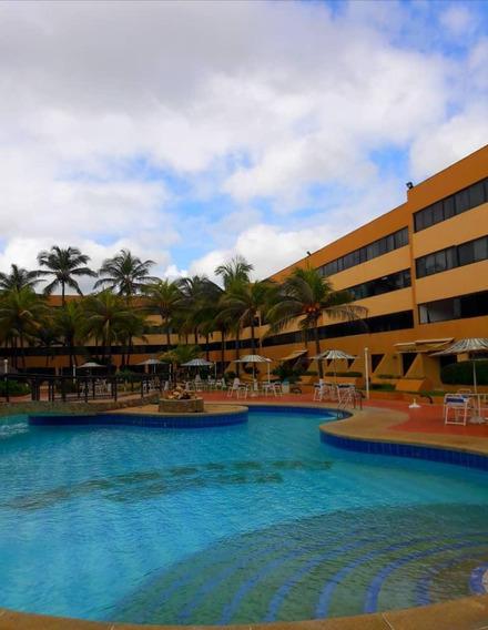 Se Vende Lindo Apartamento En Tucacas, Con Acceso A La Playa