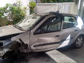 Renault Clio Chocado Motor Y Transmisión Perfecto