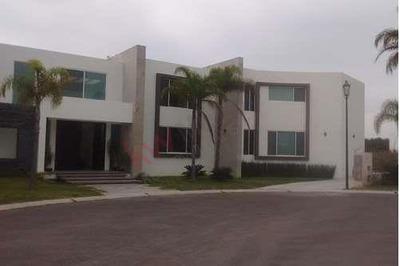 Excelente Residencia En Venta Ubicada En La Zona Más Exclusiva De Querétaro El Campanario $ $ $22,000,000.00