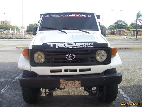 Toyota Pick-up Pick-up Sincronica