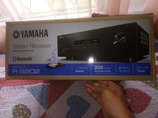 Receiver Estereo Yamaha Rs202