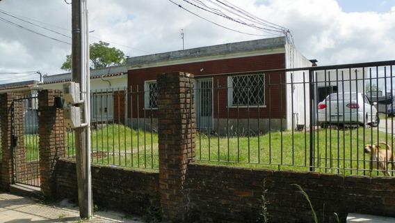 Flor De Maroñas, Vendo Casa Y 4 Apartamentos De 2 Dorm. C/u