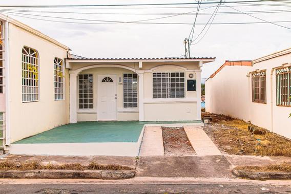 Bonita Y Económica Casa En Barriada Monte Vista En Arraiján