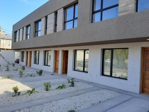 Imagen 1 de 17 de Duplex 3 Ambientes Con Patio A Estrenar. Zona Villa Primera