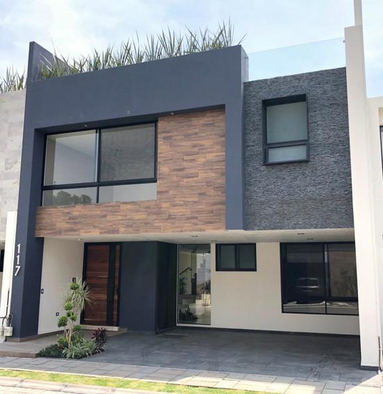 Hermosa Residencia En Venta En Condominio Arbolado Puebla