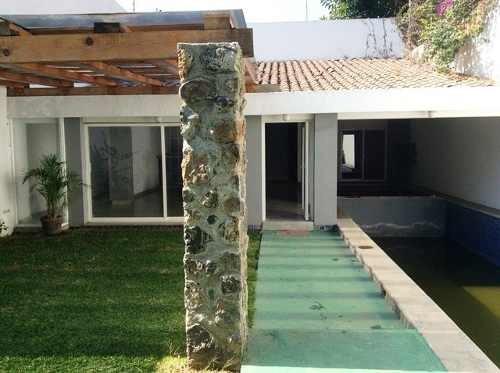 B3037 - Hermosa Casa En Exclusiva Zona Dorada
