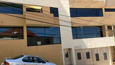 Rento Casa Para Uso Exclusivo Para Oficinas 5 Privados