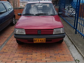 Peugeot 205 Gri