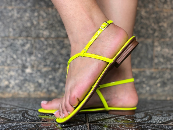 Rasteirinha Feminina Básica Verde Neon Rasteira Verão