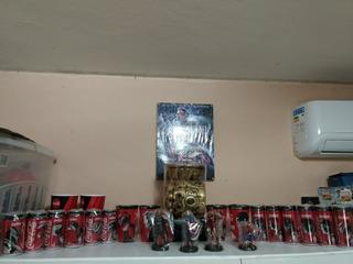 Super Coleção Vingadores Latas Miniaturas Figurinhas E Mais