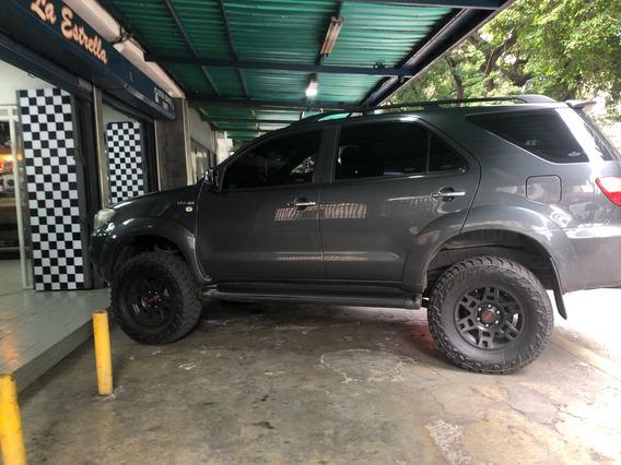 Toyota Fortuner Sr 2011