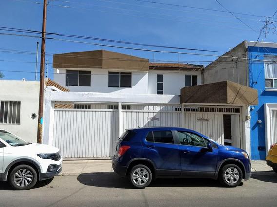 Casa En Renta Ubicada En El Corazón Del Centro Histórico De 4 Recamaras