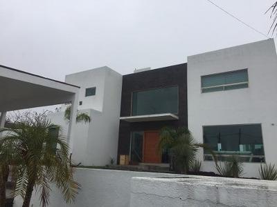 Preciosa Residencia En Venta Ubicada En Fraccionamiento Vista Real !!