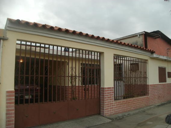 Casa En Venta Obelisco Barquisimeto Lara 19-8694 Rahco