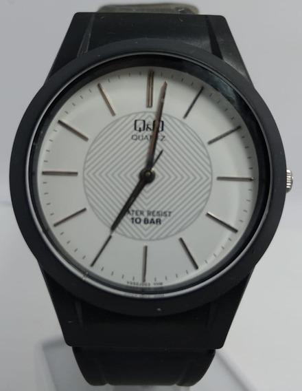 Relógio Q&q By Citizen Preto Fundo Branco Borracha Vq50j003y