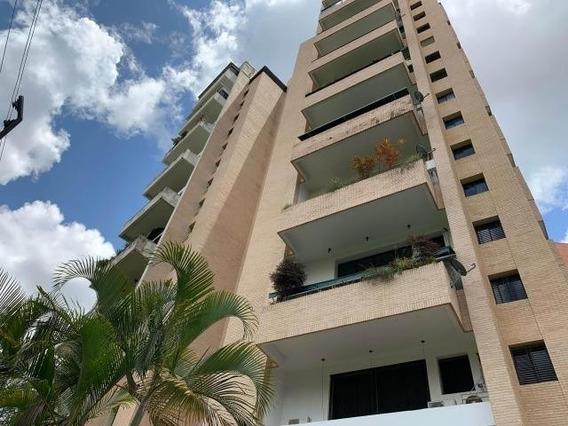 Apartamento Venta En Valles De Camoruco, Carabobo 20-4834 Em