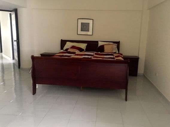 Apartamento Amueblado En La Esperilla 1500 Dolares.