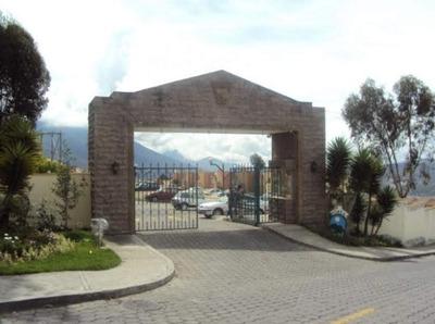 Linda Casa De Arriendo Capri. Cerca Intercambiador Carcelén.
