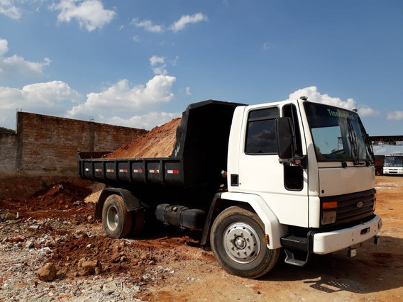 Ford Cargo 1215