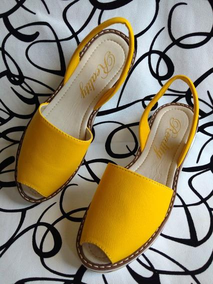 Calzado Sandalia En Cuero Original En Amarillo Envío Gratis