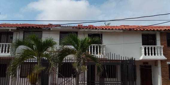 Se Vende Casa Independiente En Villa Carolina