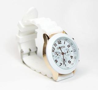 Reloj Mujer Silicona Deportivo Números Dorados